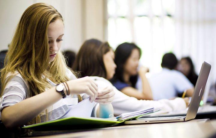 Estagiários Online: A Nova Parceria do Fala! Universidades Para Ajudar Você a Arrumar um Estágio