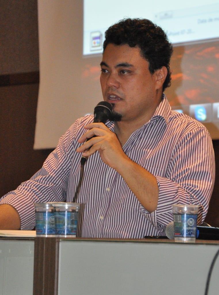 Leonardo Sakamoto, mediador da palestra
