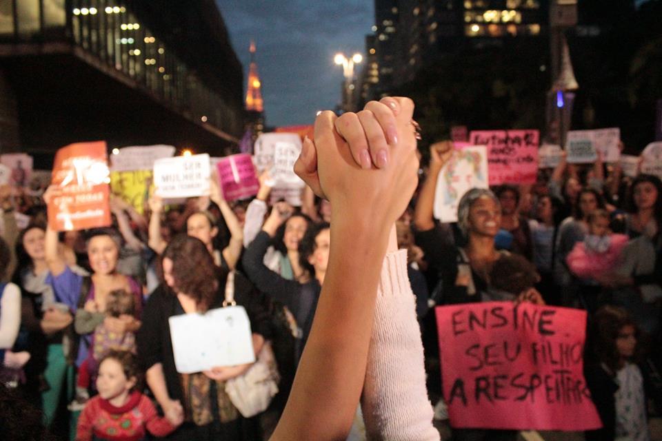 """Manifestação """"Por TODAS ELAS"""" Fez Todo Mundo Ouvir O Que Elas Têm Para Dizer"""