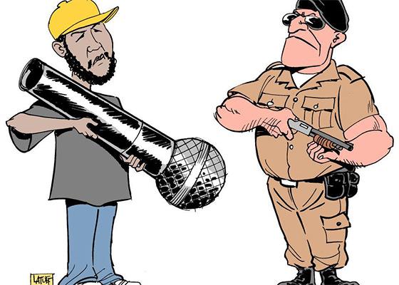 emicida-microfone-policia