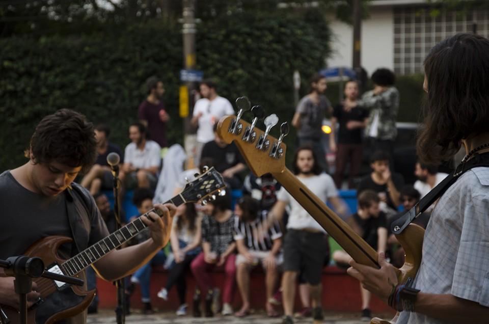 A Porta Maldita – Um Coletivo que Propaga suas Ideias Por Meio da Música
