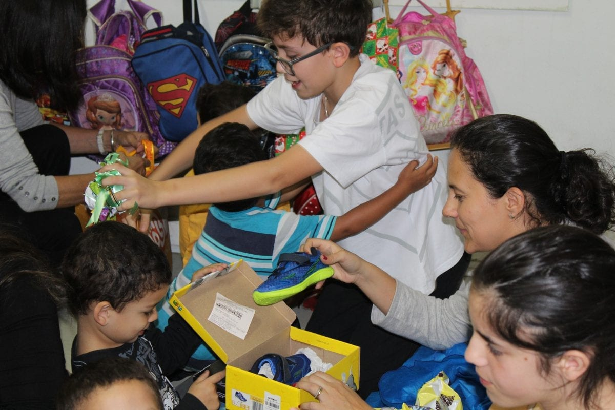 O tempo é você quem faz – Acompanhamos o trabalho voluntário do Colégio Nossa Senhora do Rosário na creche Cantinho Feliz