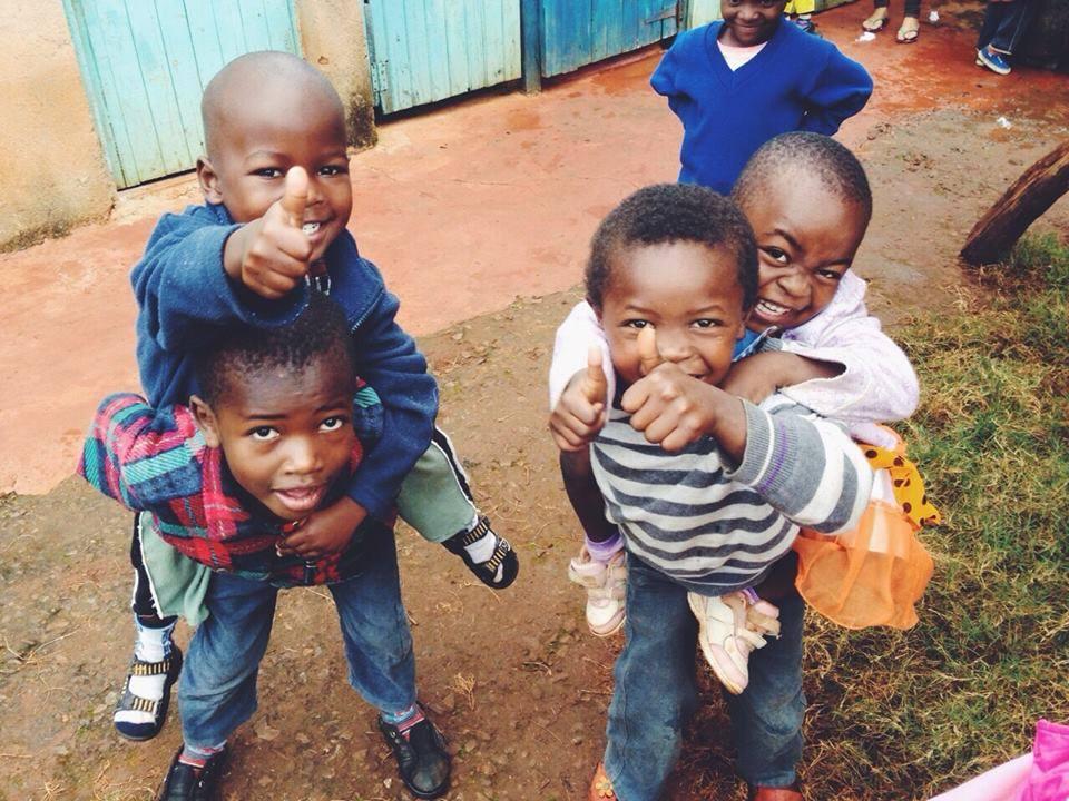 Hai África – conheça o projeto que transforma a vida de crianças Quenianas