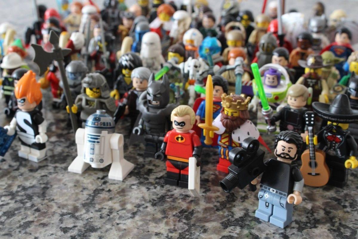 """Por que LEGO? – TCC retrata os colecionadores brasileiros do """"brinquedo"""" mais popular do mundo"""