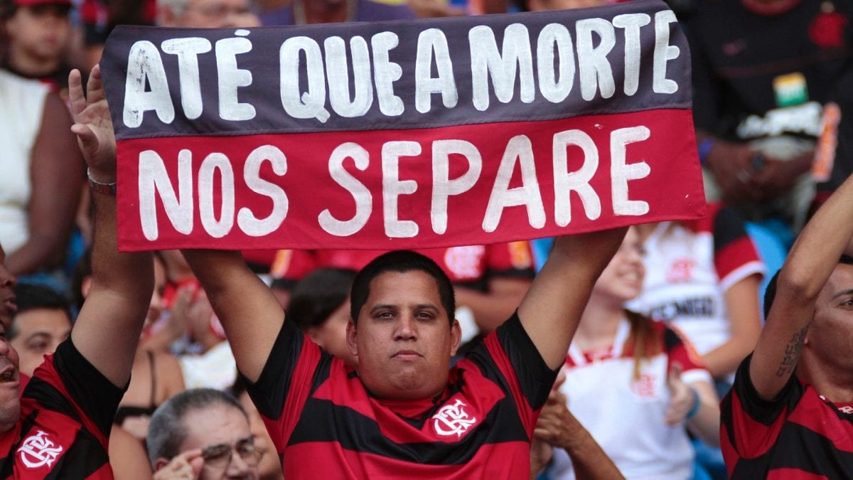 Deixem o futebol em paz – a elitização está acabando com o esporte mais popular do mundo
