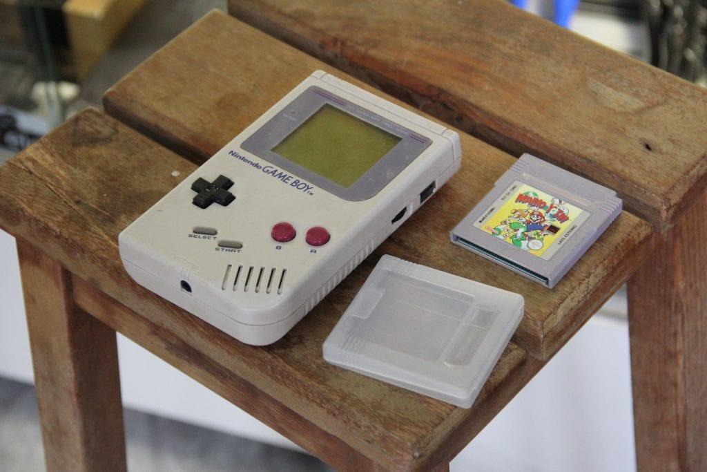 09.Game Boy Classic - (1988)