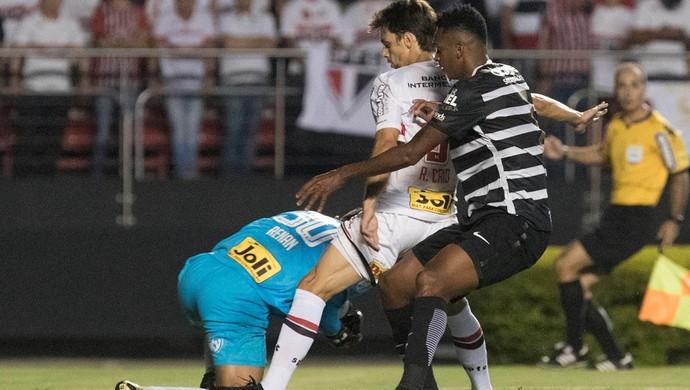 O que o gesto do jogador Rodrigo Caio expõe na sociedade?