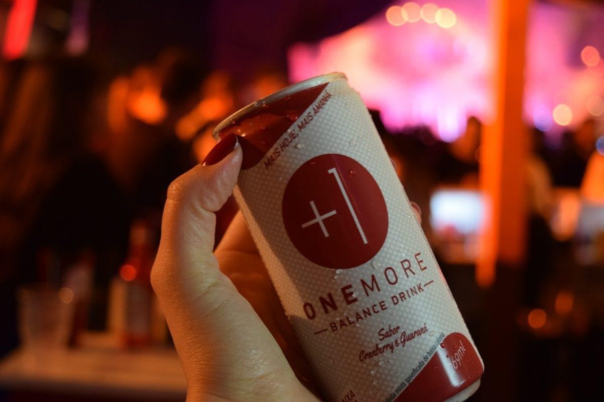 """Uma bebida que te dá forças para beber mais – conheça a """"One More"""""""