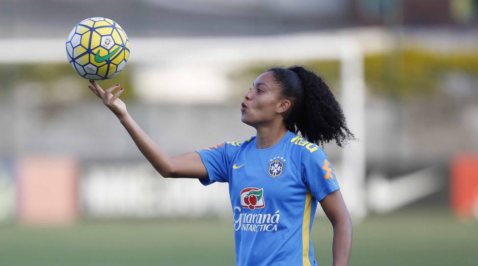 Na marca do pênalti: a mulher e o futebol brasileiro
