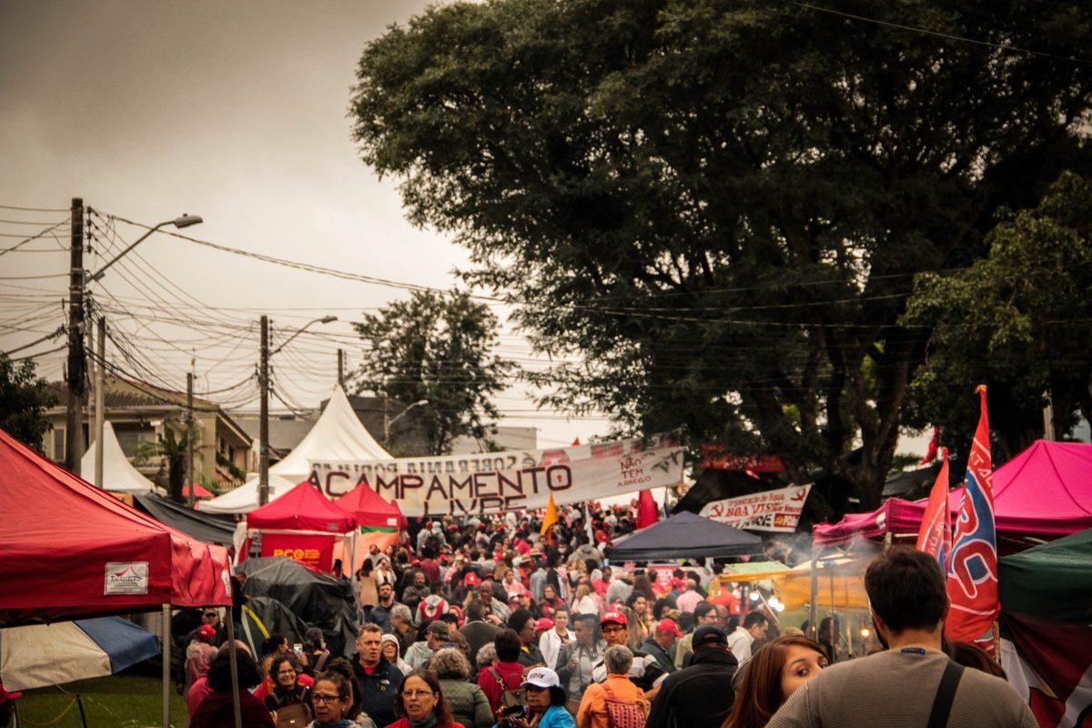 """O Fala! colou no Acampamento """"Lula Livre"""" em Curitiba"""
