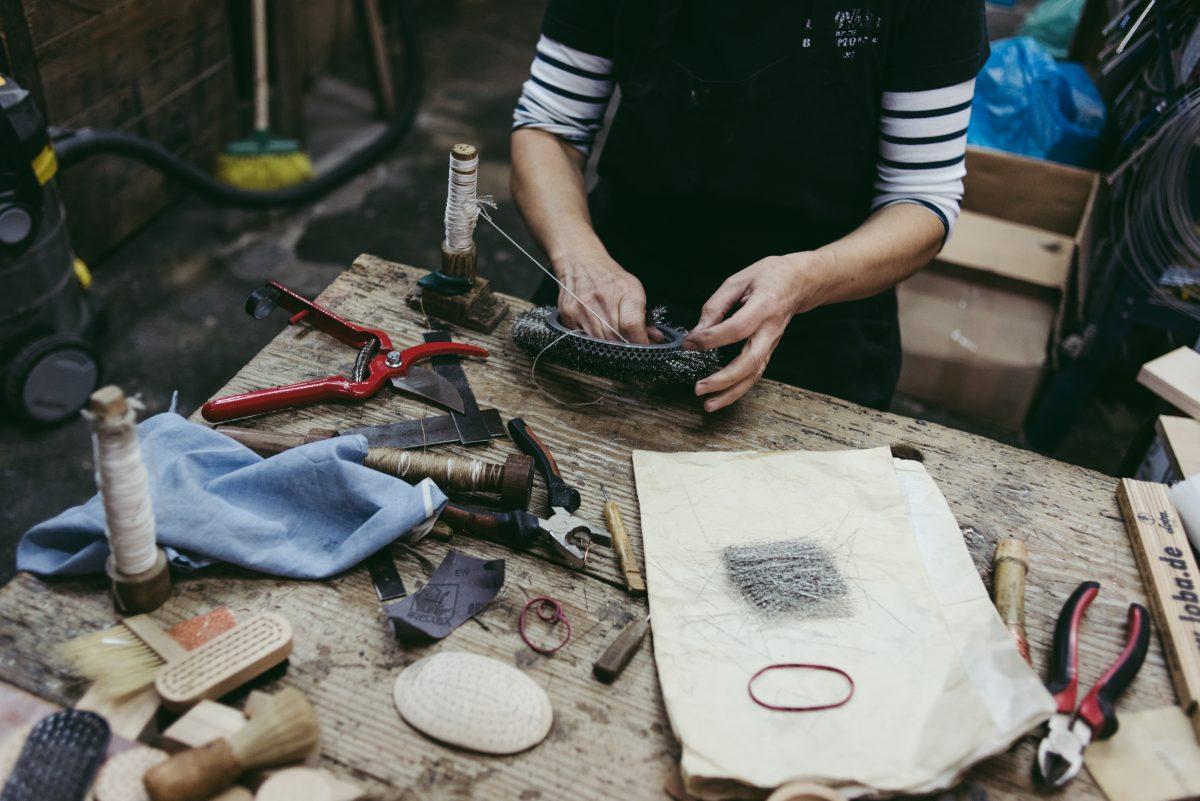 Trabalhos Para Mulheres, Feito por Mulheres