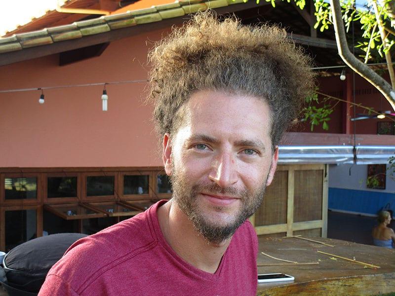 Marcus Simon, o músico que mistura o mundo