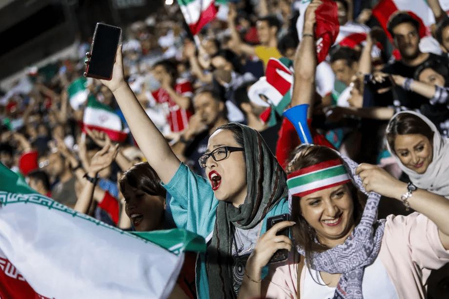 Mulheres na Copa: proibição histórica começa a dar sinais de queda