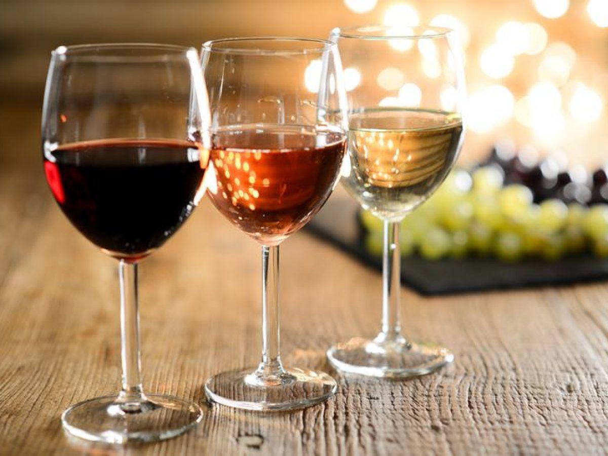 Existem diversos tipos de vinho, feito com uvas diferentes. | Foto: Reprodução