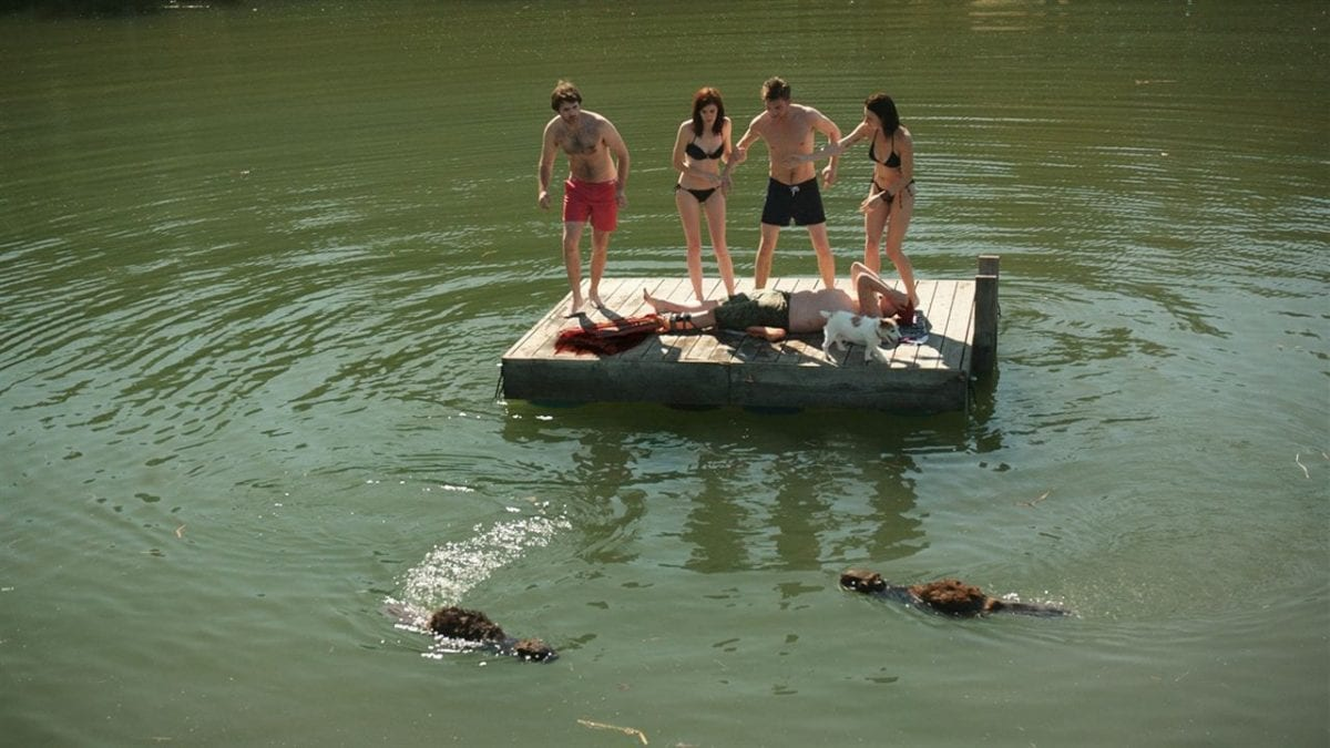 Resenha: Zombeavers – Terror no Lago