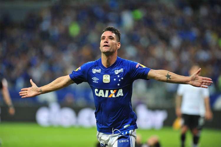 Análise: Thiago Neves brilha e Cruzeiro em vantagem na Copa do Brasil