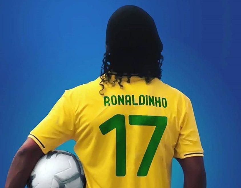 Barcelona desaprova apoio de Ronaldinho a Bolsonaro