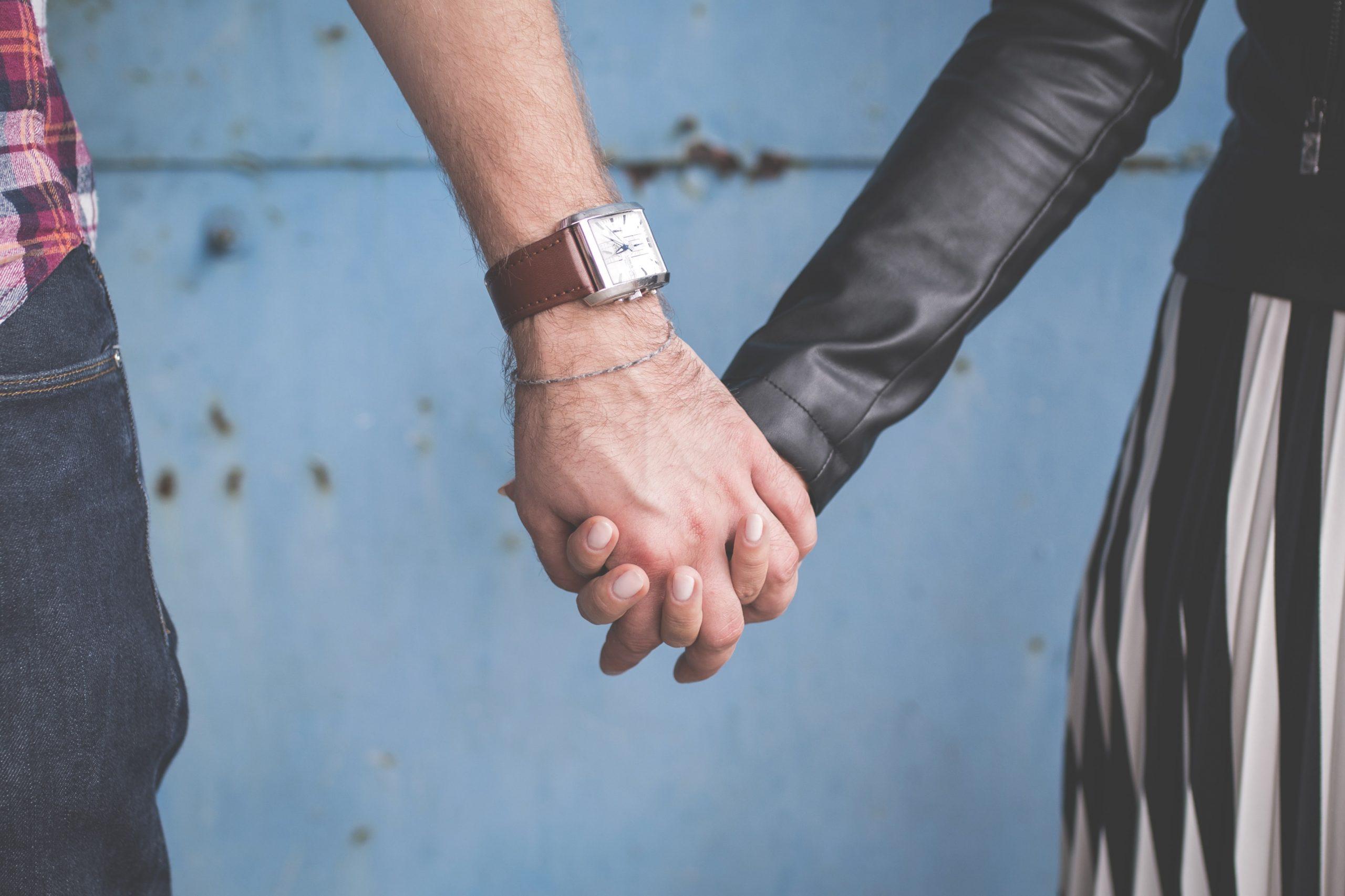 Namorar durante o intercâmbio dá certo?
