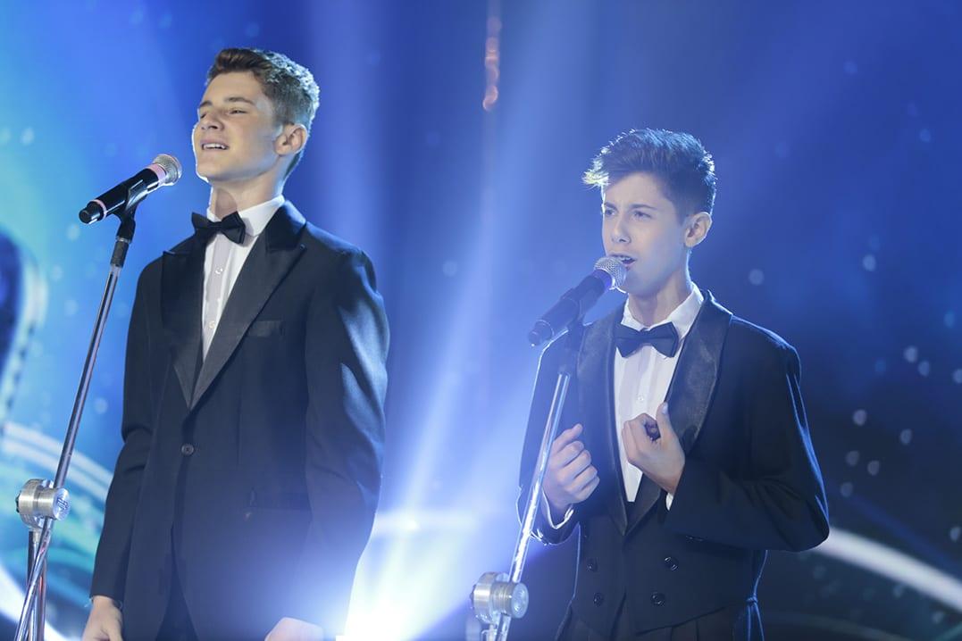 Aos 15 anos, Delazeri e Juan Pablo surpreendem ao cantarem Pop Erudito
