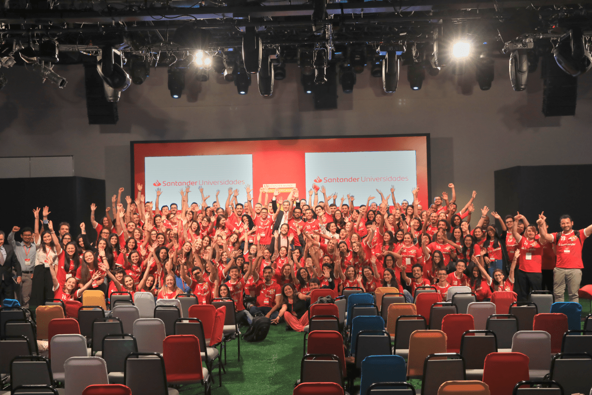 The Champions: Santander distribui bolsas de estudos internacionais
