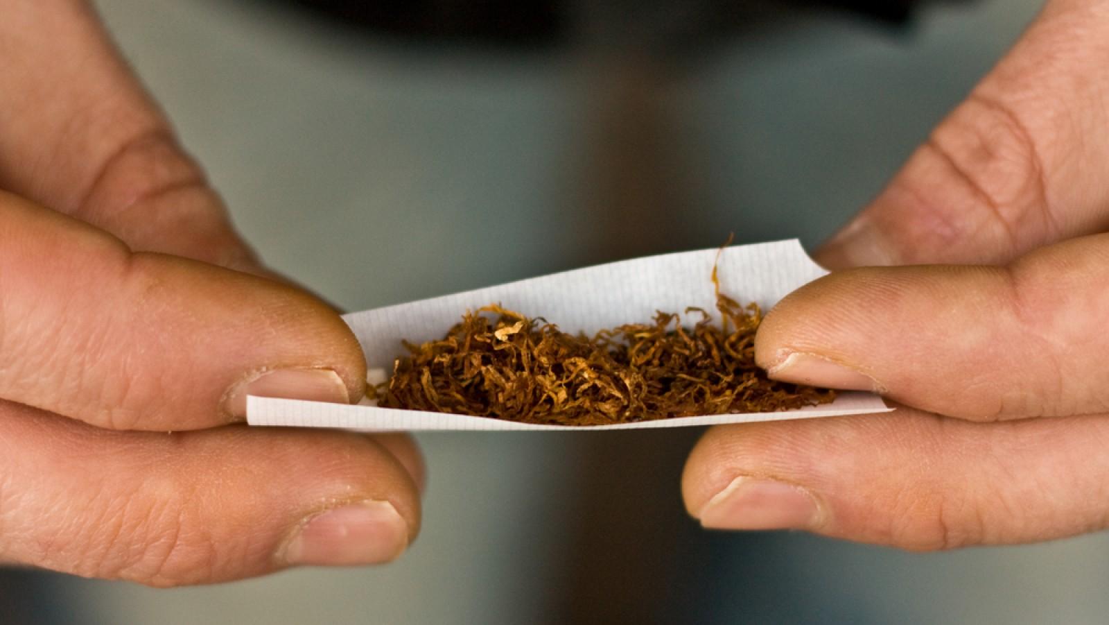 Os efeitos do cigarro de palha são semelhantes ao cigarro industrial.