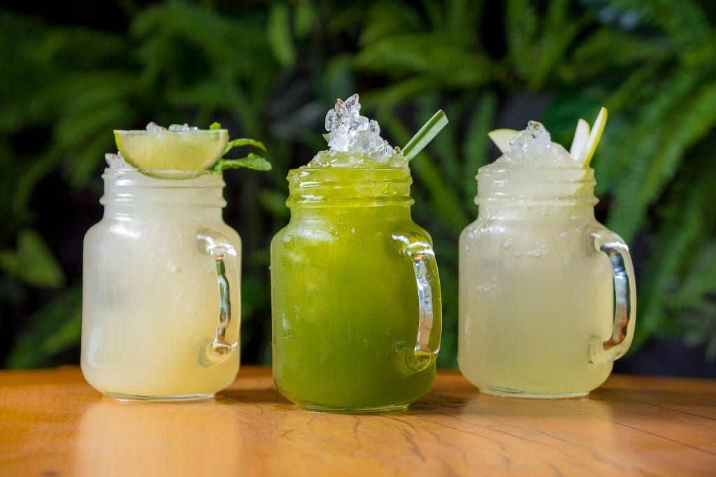 Bebidas refrescantes para brindar o início do Verão