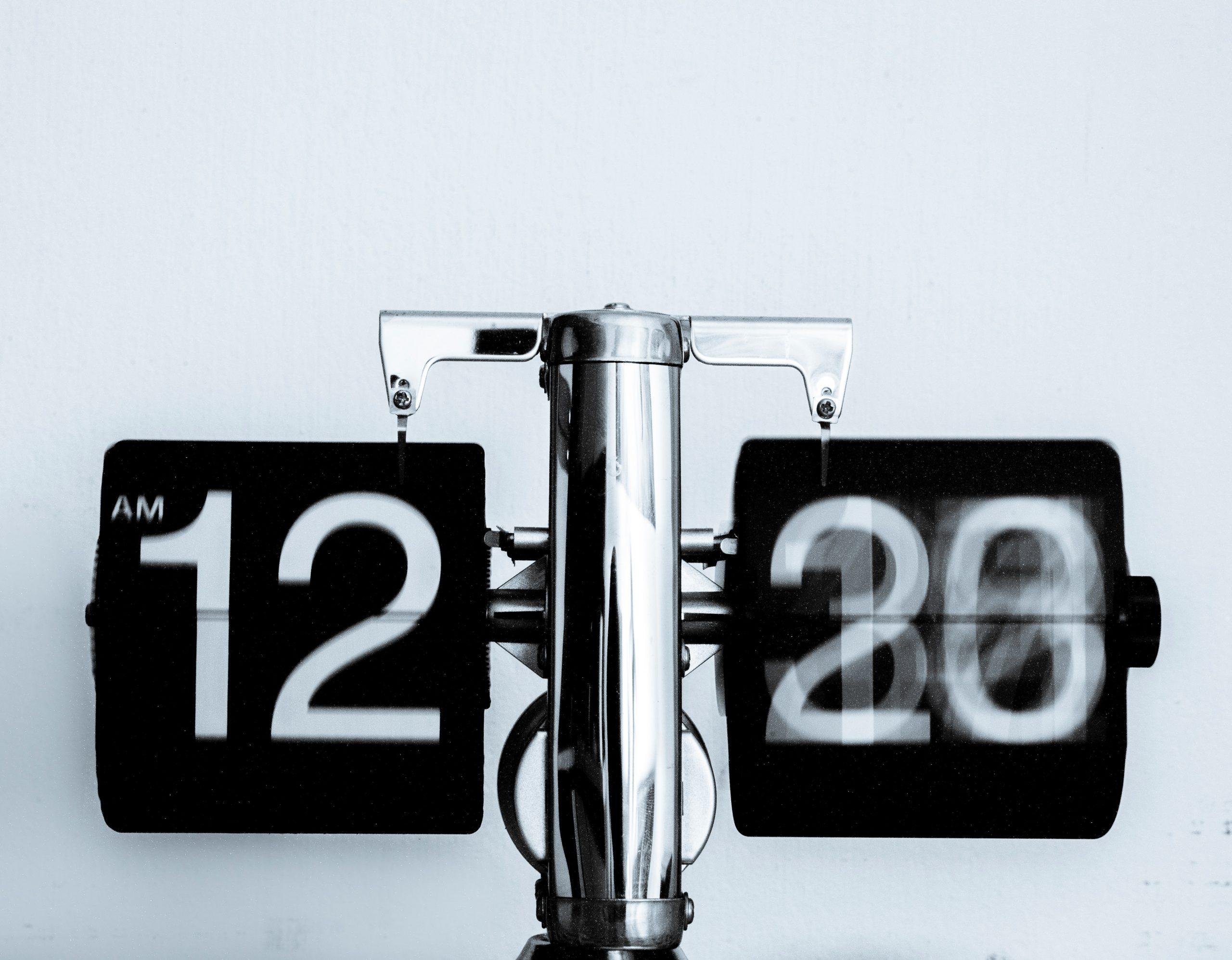 Uma Crônica Sobre o Tempo, o Celular e a Nossa Realidade