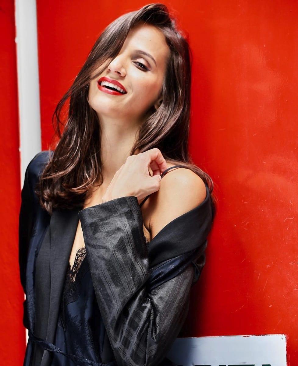 Larice Araujo está entre as mulheres mais bonitas do Brasil e as modelos mais populares do País.