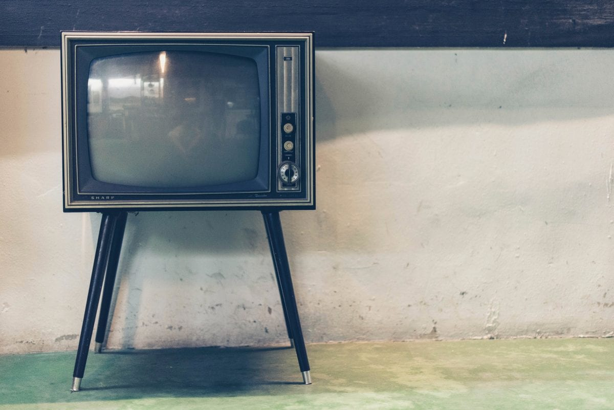 As pessoas ainda assistem à TV aberta?