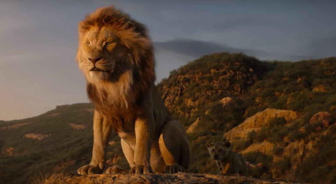 Diretor de Rei Leão fala sobre o dublador original de Mufasa repetir o papel