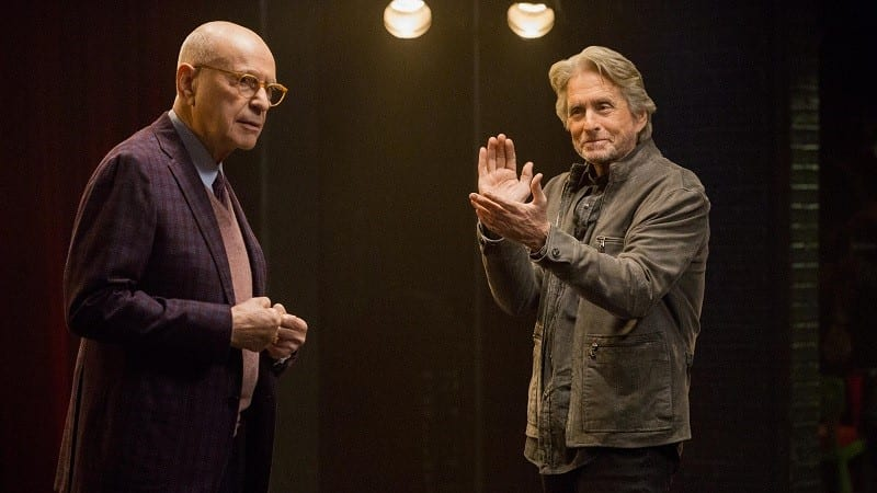Alan Arkin e Michael Douglas em The Kominsky Method