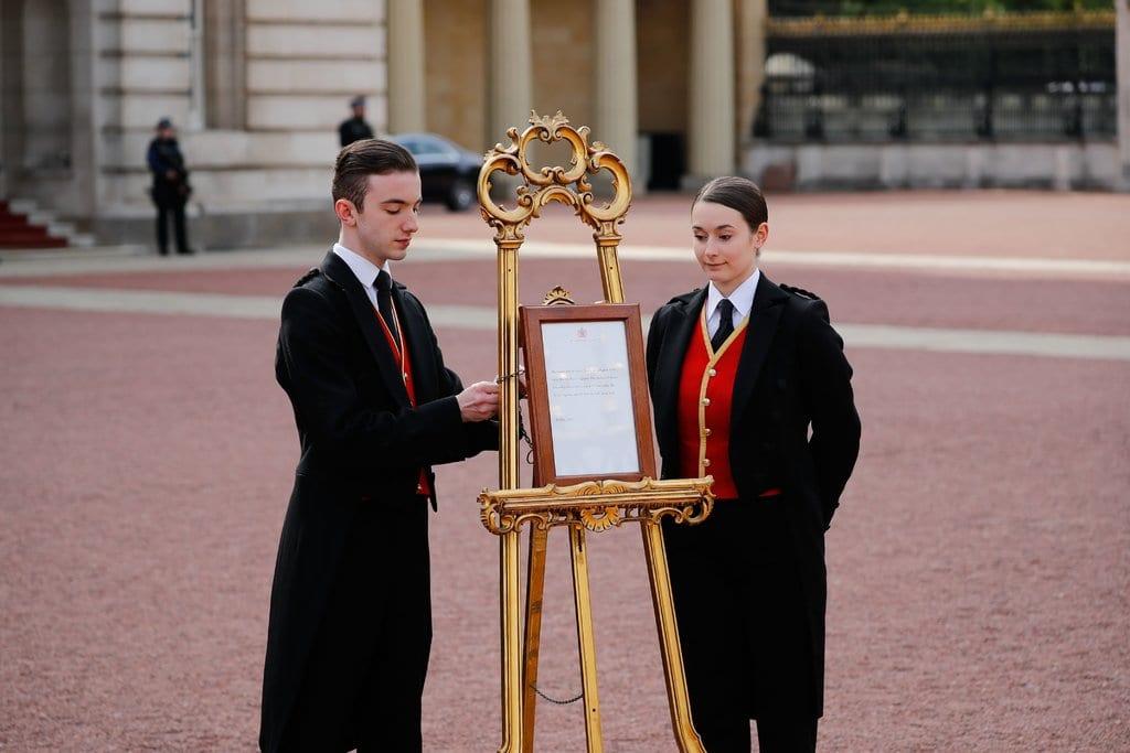 Meghan Markle dá à luz o primeiro bebê inter-racial da família real britânica