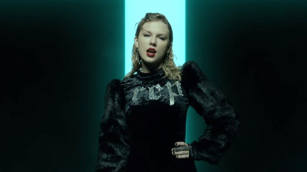 Do country ao pop: a mudança de Taylor nos looks
