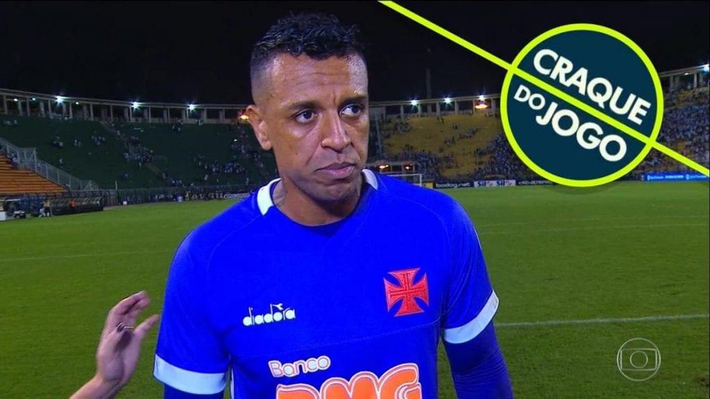 Globo entrega prêmio irônico ao goleiro do Vasco, gerando polêmica