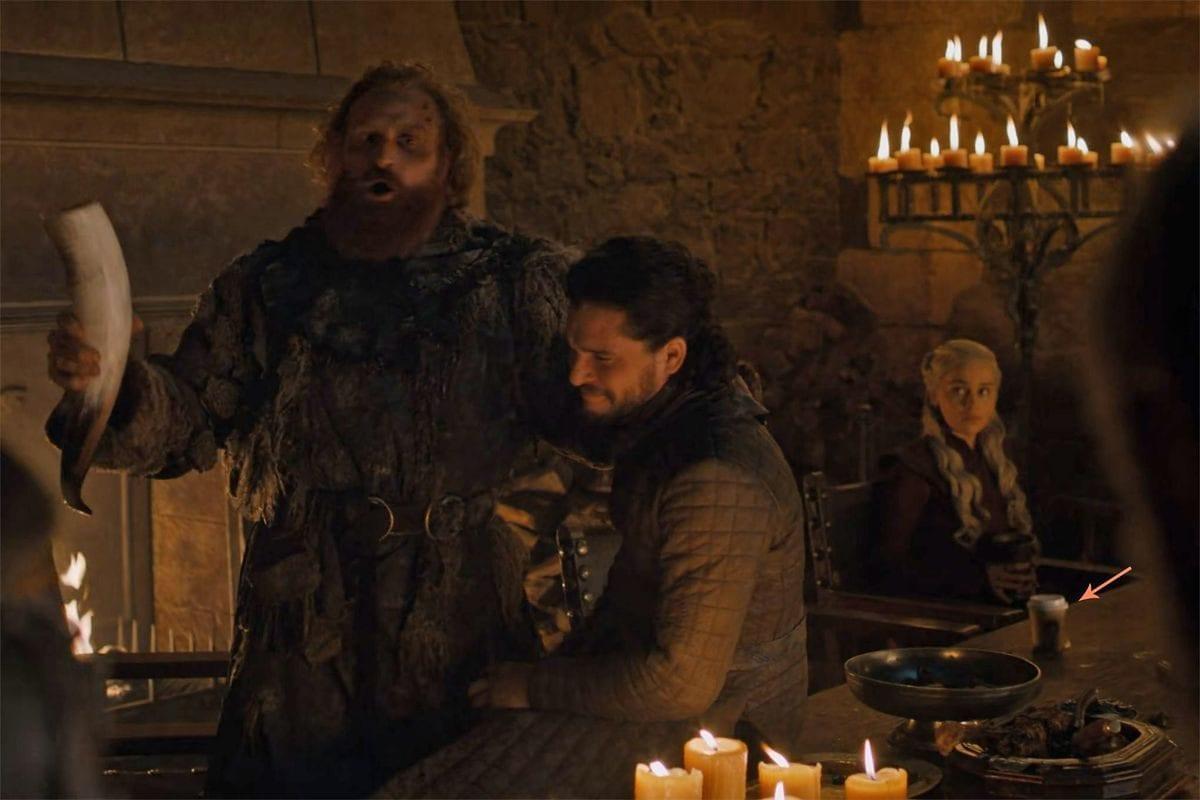 Game of Thrones: um copo do Starbucks foi esquecido em cena