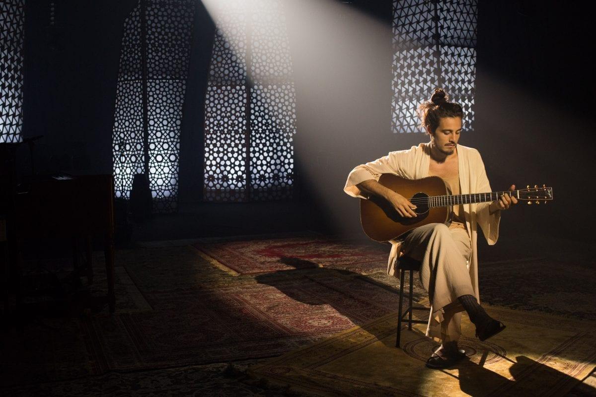 Tiago Iorc volta aos palcos no Acústico MTV