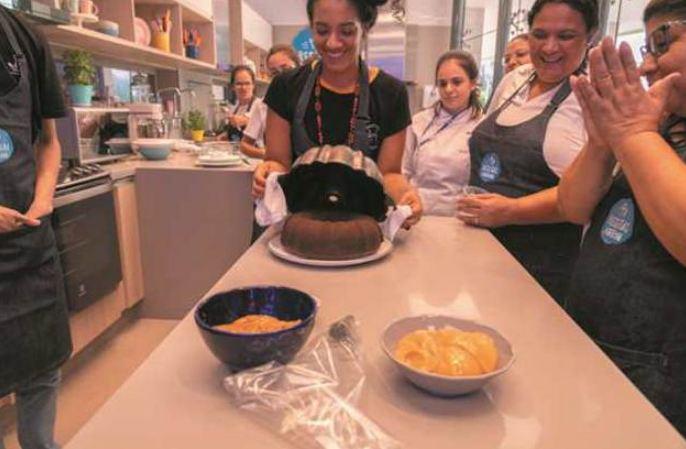 Participantes da primeira aula na cozinha de Receitas Nestlé