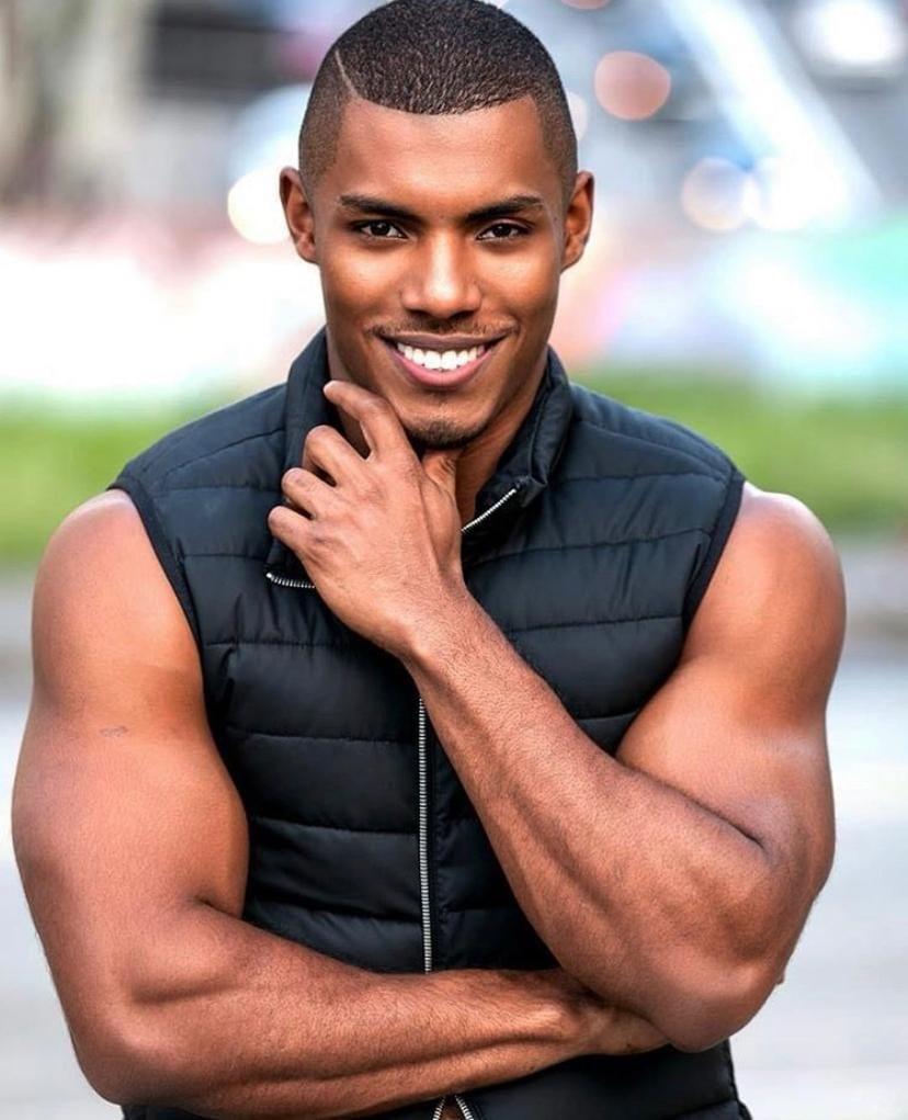 """""""Não como açúcar há 3 anos"""", declara modelo que luta para ser o primeiro Mister Brasil negro da história"""