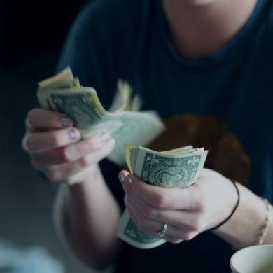 como fazer o dinheiro render na faculdade