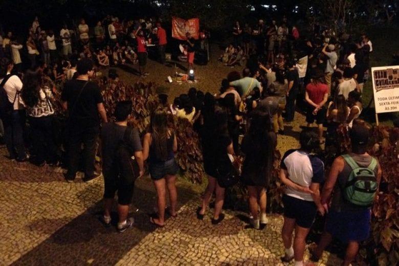 Slam da Guilhermina, na praça Guilhermina-Esperança, Zona Leste de SP (Foto: Eduardo Pereira/G1)