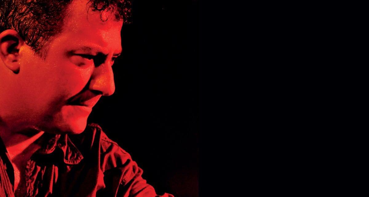 Poema Canção: Rodrigo Garcia Lopes une poesia e música em apresentação no Sesc Avenida Paulista