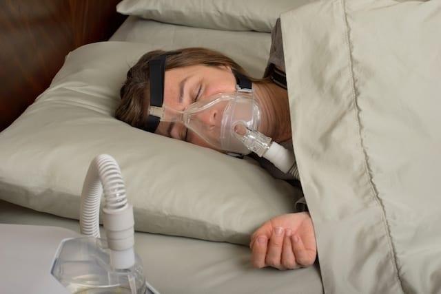 Chegada do inverno pode causar apneia do sono: veja dicas de cuidado