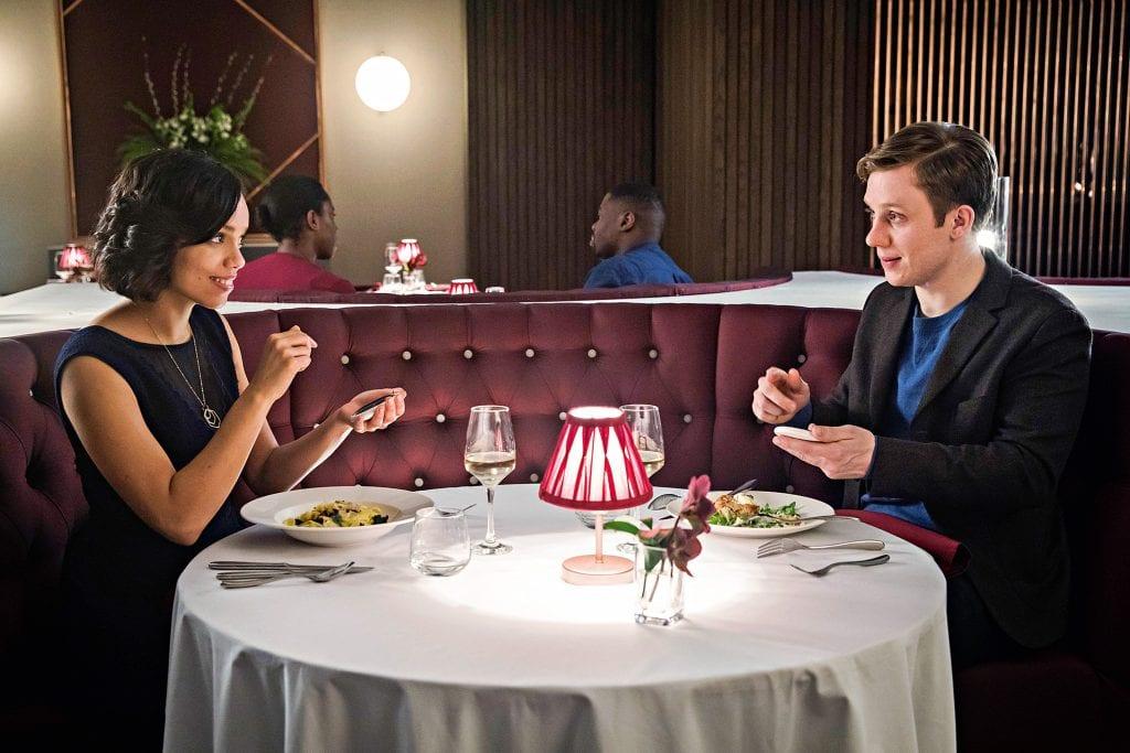 Hang the DJ é o 4º episódio entre os 10 melhores episódios de Black Mirror para assistir.