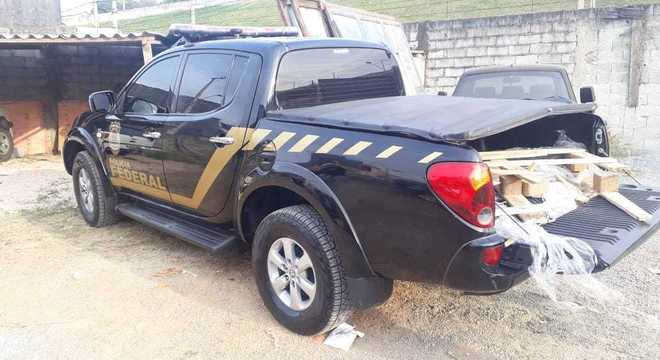 Veículo clonado da polícia federal utilizado no roubo de ouro.