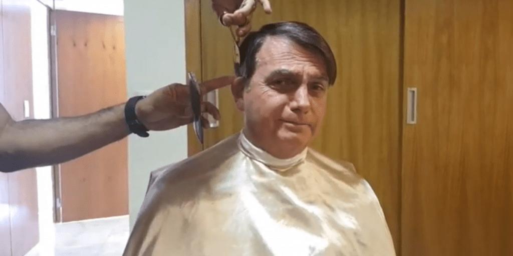 Jair Bolsonaro em live no Facebook questiona desaparecimento de Fernando Augusto de Santa Cruz Oliveira, pai de presidente da OAB