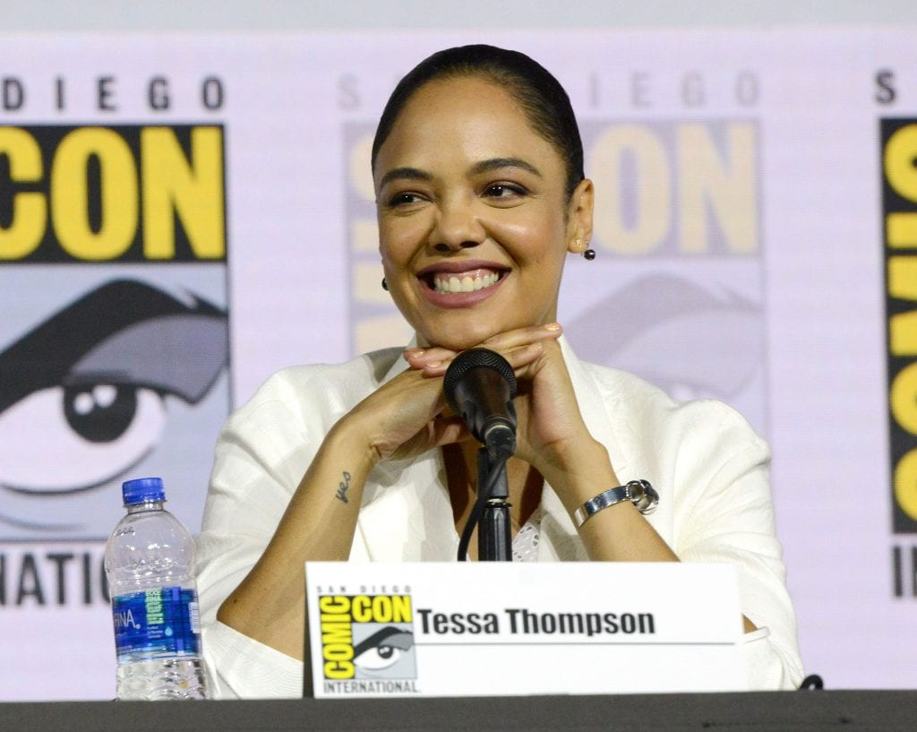 Tessa Thompson, a atriz que vive Valquíria, durante painel na San Diego Comic Con