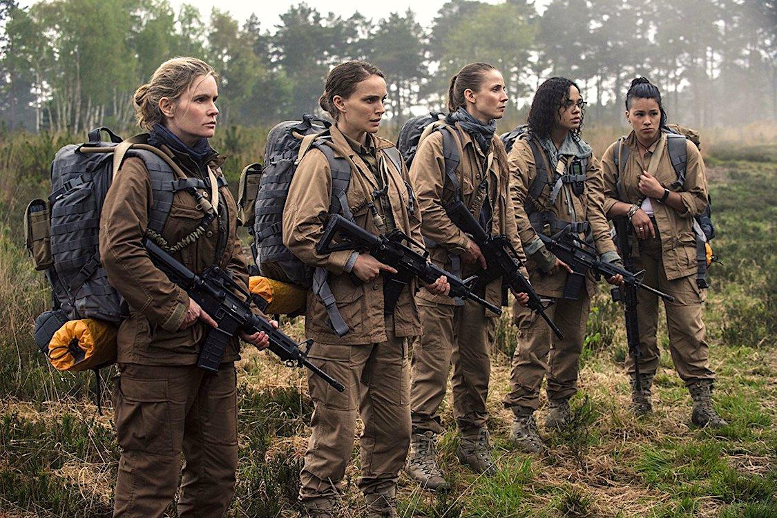 Aniquilação (2018) é estrelado porl Natalie Portman e está disponível na Netflix.