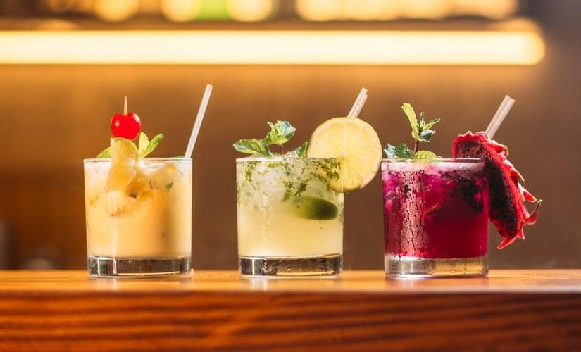 Saiba como preparar diferentes drinks em casa