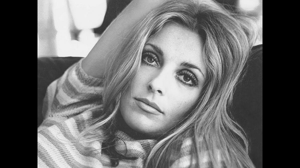 Quem foi Sharon Tate, atriz morta por Charles Manson?