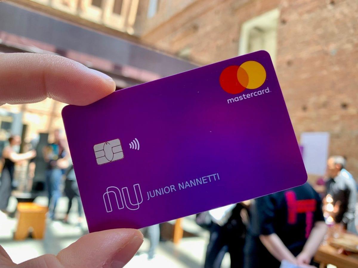 Nubank começa a oferecer função débito aos seus clientes